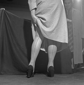Dabac_SeamedStockings_1936